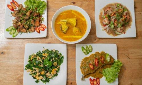 โต๊ะกับข้าว-bar-and-restaurant-01